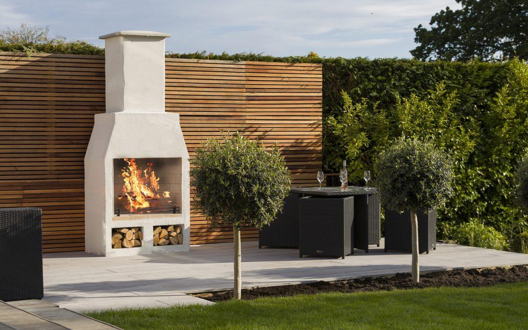 Comment aménager le coin barbecue idéal dans son jardin ?